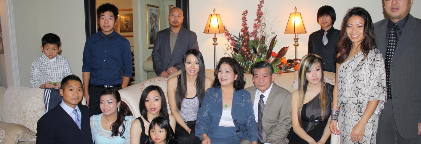 Trang Thi and family